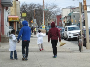 Children pitch in 2014 Philly Spring clean up 4900 Wayne Ave SoLo/GCA-WAM